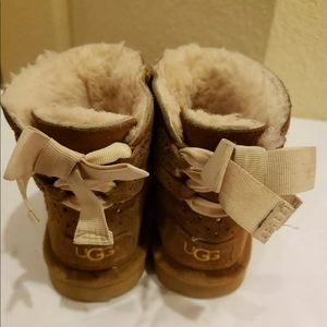UGG Mini Bailey Bow chestnut  Boots toddler 10